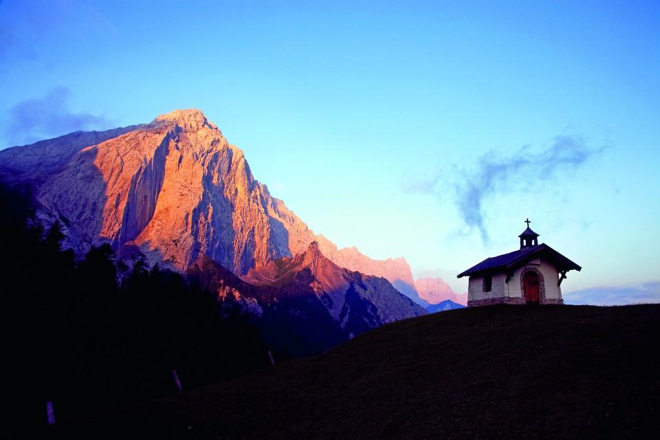 Iglesia del refugio Hallerangerhause, Sendero ruta del ‡guila, alpes austriacos