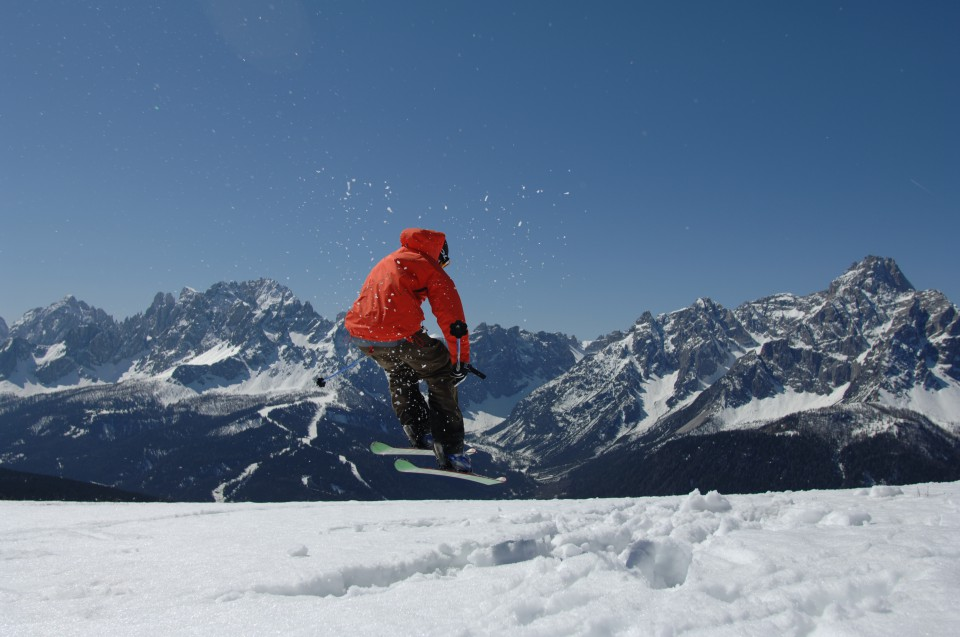 skifahrer jump