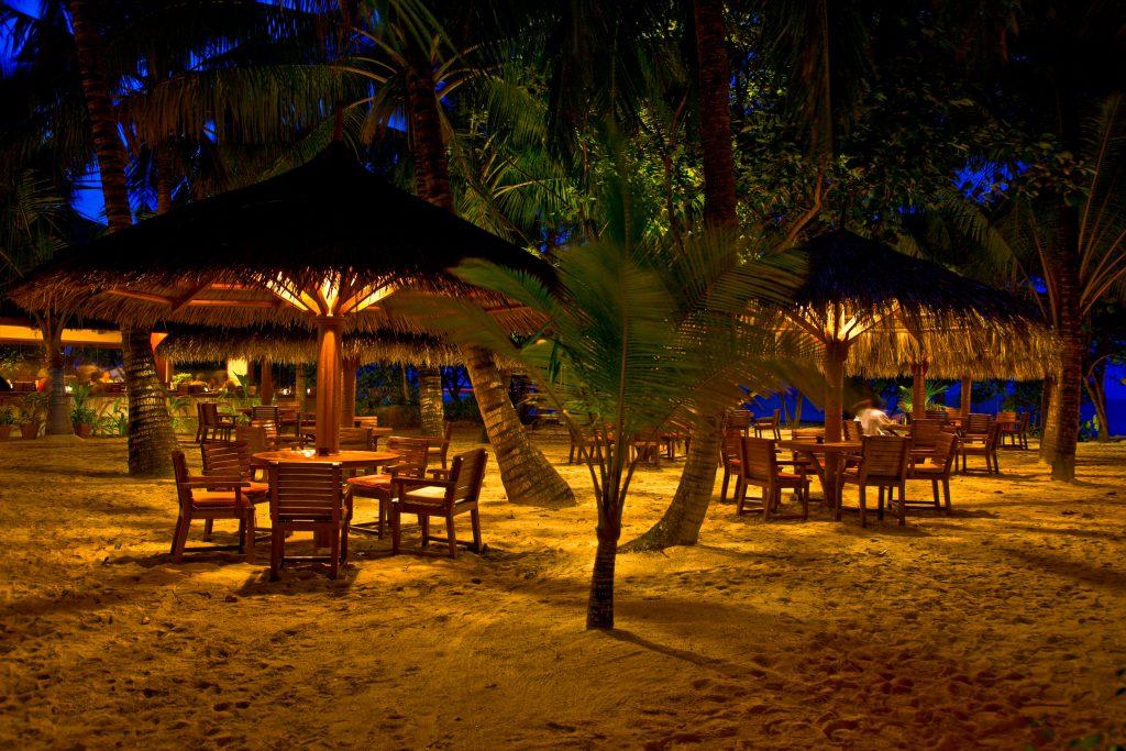 Reethi Beach Resort Main Bar