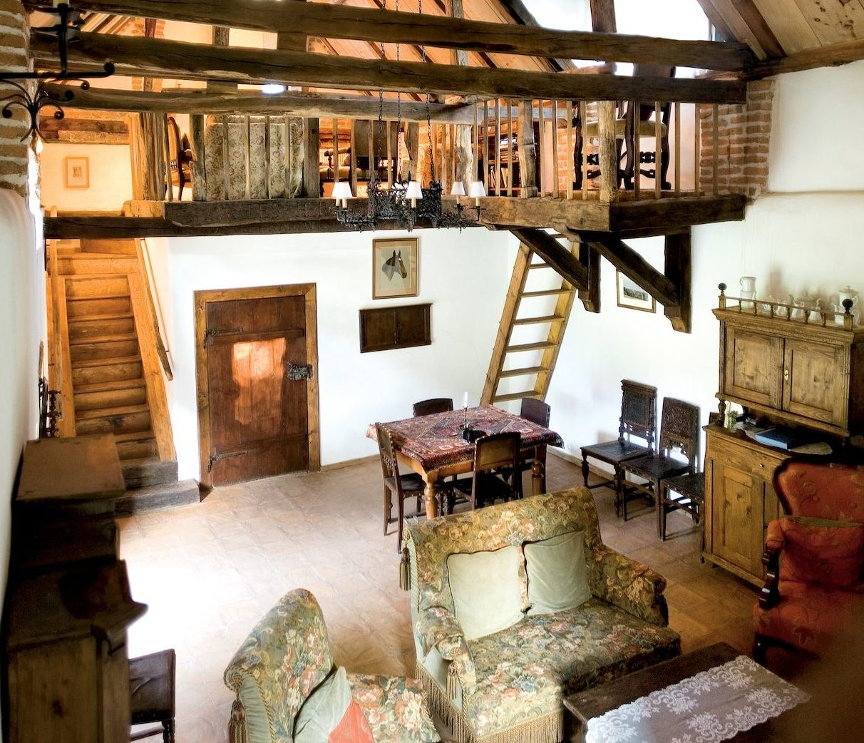 HRH Prince Charles' Guesthouse, Interieur