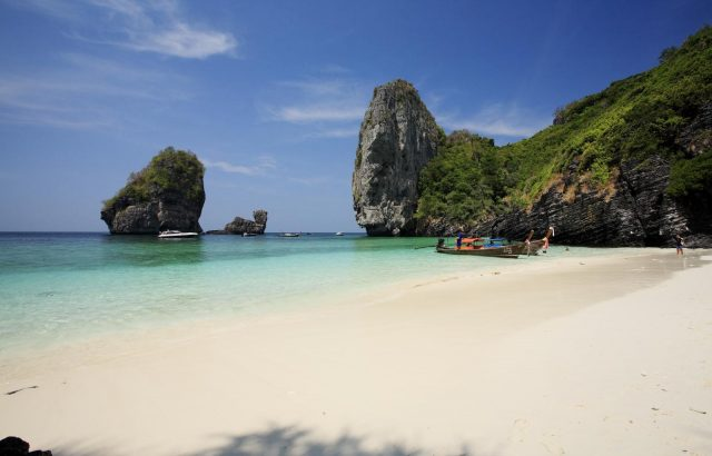 Strand des Zeavola Resort auf Ko Phi Phi