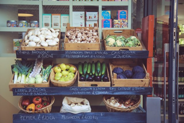Gemüseauslage, unverpackt