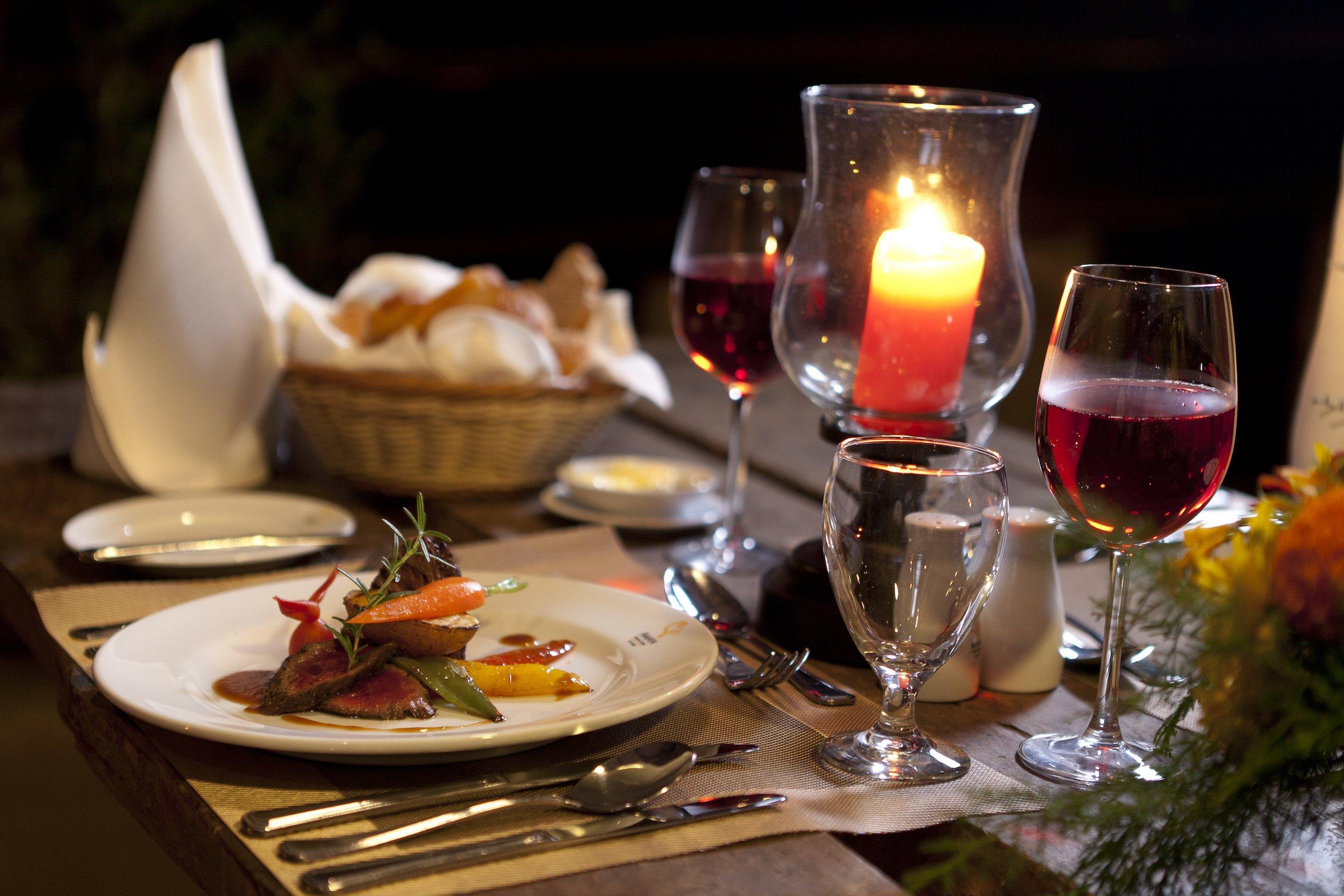 Hunas Falls- Dinner Table