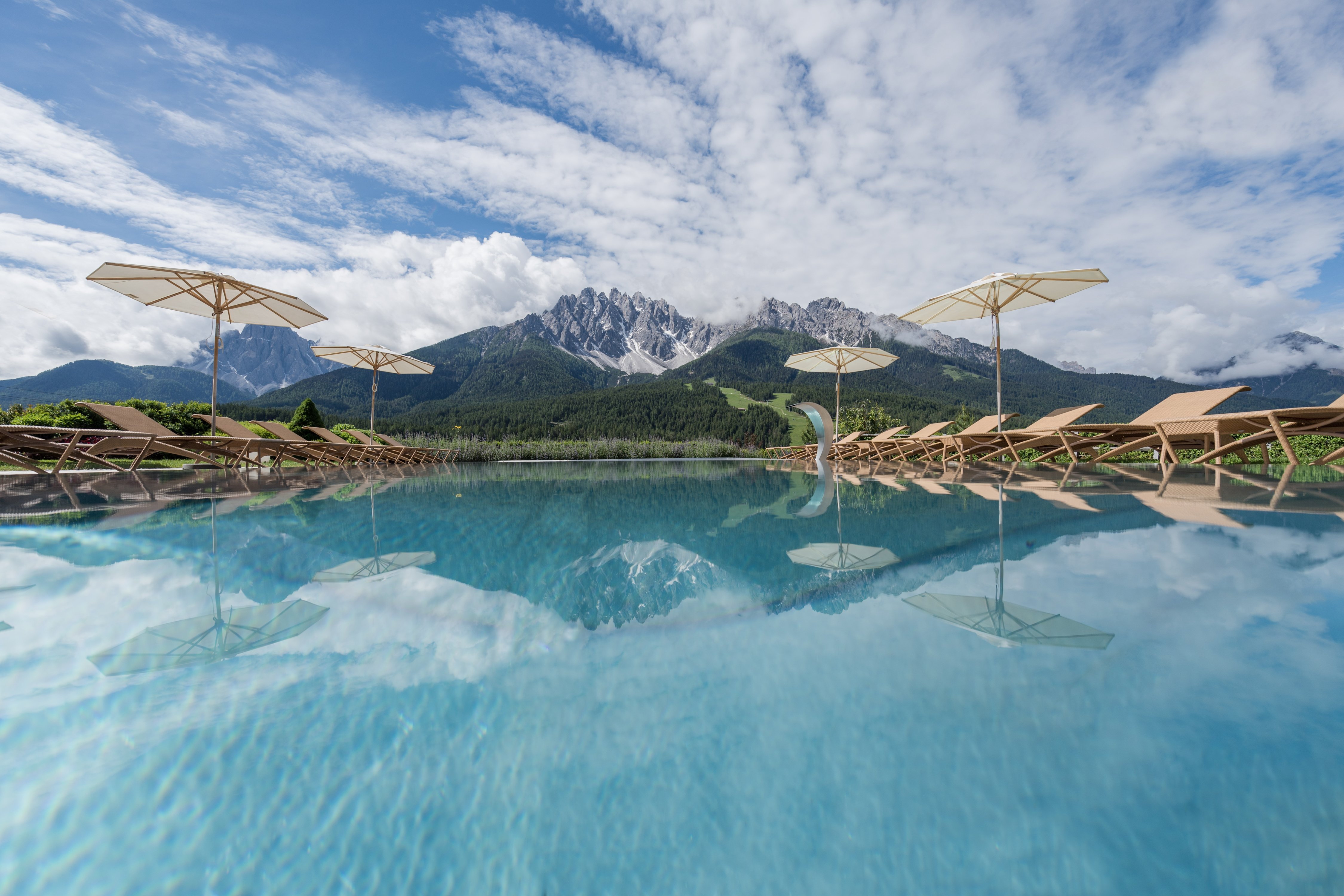 Swimming with a view - at the pool at the Leitlhof