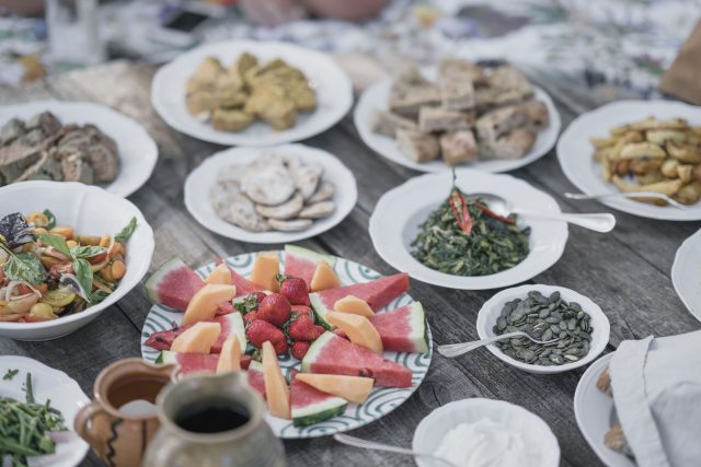 fresh, organic, home-grown, and vegan ingredients, i pini