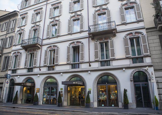 Facade of the climate-neutral hotel in Milan. © Milano Scala