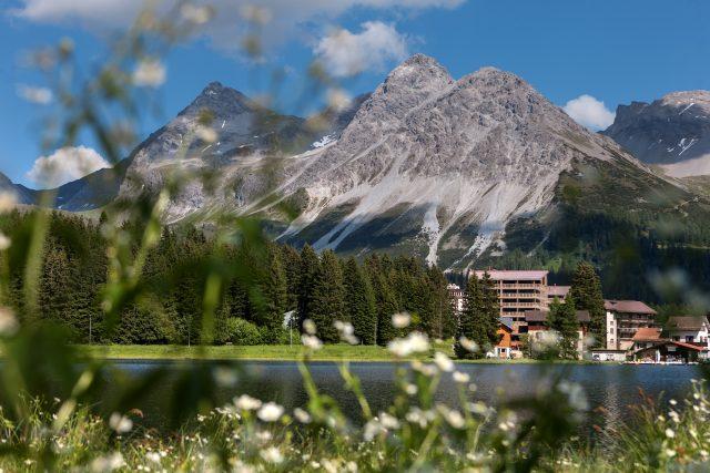 Mountain panorama in Arosa, Switzerland. © Valsana Hotel & Appartements
