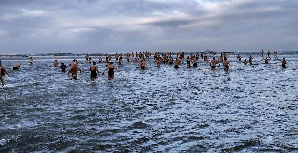 Neujahrsschwimmen auf Juist. © KV Juist